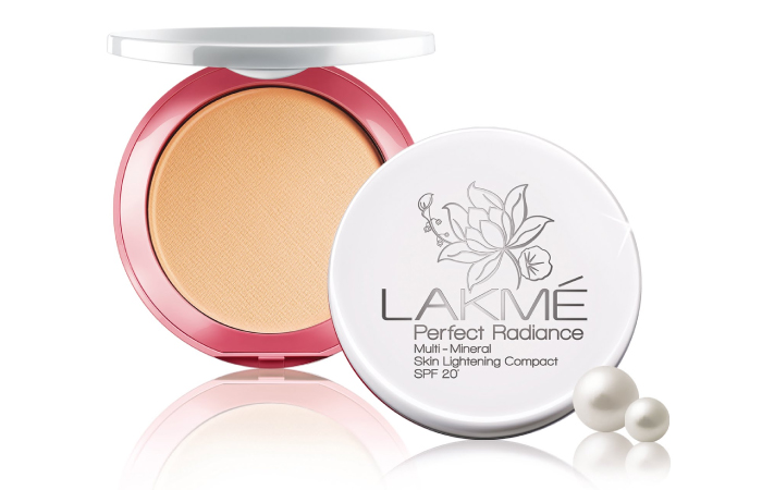 LAKME PERFECT RADIANCE FACE POWDER - 8 GM